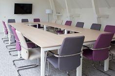 Projectinrichting, Presentatie-, Vergaderruimte ingericht in Leeuwarden.