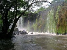 A Cachoeira de Santo Antônio, é uma das mais belas paisagens naturais do Amapá.