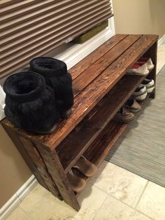Pallet Shoe Rack. Simple, but rustically elegant. Garage, ideas, man cave, workshop, organization, organize, home, house, indoor, storage, woodwork, design, tool, mechanic, auto, shelving, car.