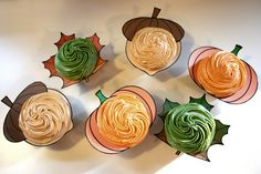 Autumn/Fall Cupcakes with the collars on. Very Cute