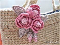crochet flower brooch ♥❥Teresa Restegui http://www.pinterest.com/teretegui/❥♥