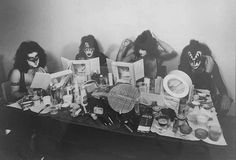 Some early Eric Carr makeup for you