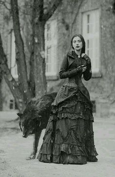 Witch or shapeshifter Victorian Gothic Lady and the Wolf Wolf Totem, Dark Beauty, Gothic Beauty, Goth Victorien, Foto Face, Neo Victorian, Victorian Gothic Fashion, Victorian Vampire, Victorian Photos