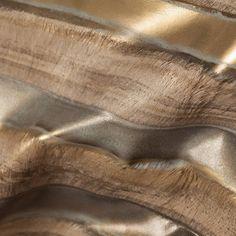 les 28 meilleures images du tableau cuirs les brillants sur pinterest cuir disponible et. Black Bedroom Furniture Sets. Home Design Ideas
