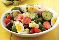 Zucchini Salad With Boiled Eggs - Written In Greek, Have Your Browser Translate It. Stir Fry Recipes, Salad Recipes, Healthy Recipes, Healthy Foods, Zucchini Salad, Food Categories, Salad Bar, Vegetarian Cooking, Appetisers