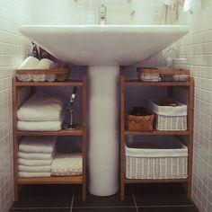 Space-Efficient Bathroom Storage Ideas to Keep Your Bathroom Organized bathroom storage ideas; bathroom storage ideas for small spaces; bathroom storage ideas for small spaces; Home Diy, Space Saving Bathroom, Small Bathroom, Small Bathroom Decor, Home Organization, Bathroom Decor, Bathrooms Remodel, Diy Storage, Home Decor