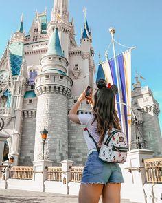 disneyland Source by simplykayleeann Disneyland Paris, Disneyland Orlando, Disneyland Photos, Disneyland Outfits, Disney Outfits, Disney Springs, Disney Land Pictures, Disney Poses, Disneyland Photography