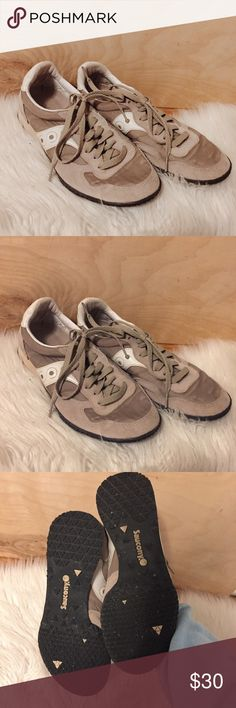 Beige and white saucony tennis shoes Like new, super lightweight and comfortable Saucony Shoes Athletic Shoes