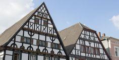 Unna (Nordrhein-Westfalen): Unna ist eine Große kreisangehörige Stadt und Kreisstadt des Kreises Unna im östlichen Ruhrgebiet in Nordrhein-Westfalen, Deutschland. In der Statistik der nach der Einwohnerzahl größten Städte Deutschlands ist Unna 2011 auf dem 140. Platz, im eigenen Kreis dennoch nur dessen zweitgrößte Stadt (nach Lünen auf dem 93. Platz).