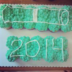 Cupcake cake graduation diploma and year