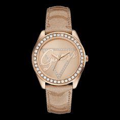 Una colección de combinaciones distintivas icónicas inspiradas por el estilo de vida GUESS.  Los diseños con las últimas tendencias de la moda de los Relojes GUESS ofrecen un estilo dinámico.