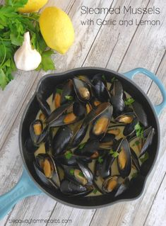 Steamed Mussels with Garlic and Lemon - a low carb and keto appetizer or light lunch Best Low Carb Recipes, Low Carb Dinner Recipes, Lemon Recipes, Sauce Recipes, Seafood Recipes, Easy Recipes, Healthy Recipes, Low Carb Appetizers, Low Carb Desserts