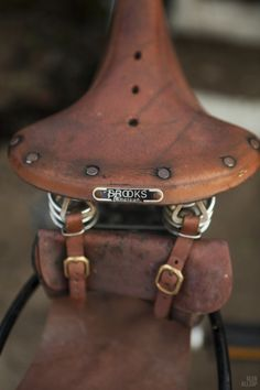 beautifully made bicycle seat, I wished they made them like that, still ...