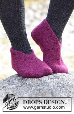 Drops Design, Knitting Patterns Free, Free Knitting, Magazine Drops, Knifty Knitter, Knitting Socks, Knit Socks, Knitted Slippers, Stockinette