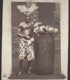 Ghana Rising: History: Ghana's Majestic Past –People & Culture in Black & White from 1850 - 1950 History Of Ghana, African History, African Tribes, African Diaspora, African Colors, Africa People, Black Royalty, African Royalty, Art Africain