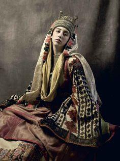 Greek Culture, Kimono Top, Sari, Costumes, Traditional, Instagram, Beauty, Tops, Dresses