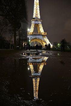 Reflections of Paris Eiffel Tower / France Paris Tour, Paris 3, Montmartre Paris, Paris Cafe, Torre Eiffel Paris, Paris Eiffel Tower, Eiffel Towers, Paris At Night, Paris Travel
