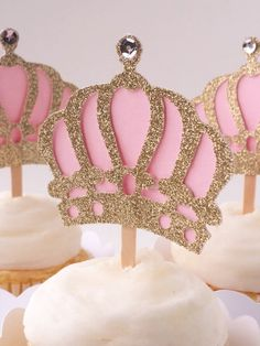 Set of 12 –Gold & Light Pink Crown Cupcake Toppers - Crown Cupcake Picks – Food Picks – Gold Crown C Crown Cupcake Toppers, Crown Cupcakes, Cupcake Picks, Cupcake Wrappers, Princess Theme Party, Baby Shower Princess, Princess Birthday, 3rd Birthday Cakes, 1st Birthday Girls