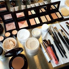 Just a few of Laura's secret weapons. Makeup Tips, Hair Makeup, Beauty Review, Laura Mercier, Weapons, Eyeshadow, Make Up, Face, Beautiful