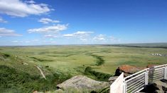 10 Amazing Places to Visit in Alberta, Canada – Head Smashed in Buffalo Jump Native Canadian, Canadian History, Alberta Canada, First Nations, Rocky Mountains, Cool Places To Visit, Social Studies, The Good Place, Buffalo