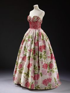 Lady Gladwyn's Gown from the April 9, 1957 by Pierre Balmain French, 1957 The Cecil Beaton Collection atThe Victoria & Albert Museum