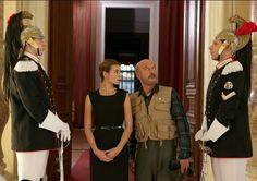 "Garibaldi (Claudio Bisio) e Janis (Kasia Smutniak) in ""Benvenuto presidente!"""