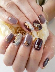 BlackBerry,Taupe & Mother Of Peal w/ Golden Jewls 3D Winter Nail Art Design. .