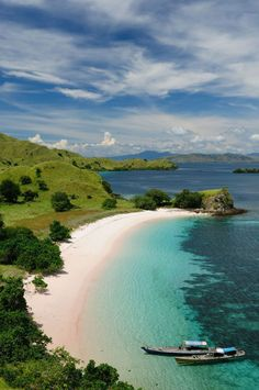 keindahan-pantai-komodo