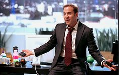 Ari Gold from Entourage - Played by Jeremy Piven Ari Gold Entourage, Screenwriting Contests, Jeremy Piven, Talent Agent, Bonnie Tyler, La Mode Masculine, The Ugly Truth, Stand Up Comedy, Dad Jokes