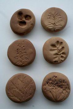 nature stones- make own from air dry clay! It could also be a way to add texture to polymer clay, by saving the texture on air dry clay Nature Activities, Rainy Day Activities, Craft Activities, Gruffalo Activities, Outdoor Activities, Nature Based Preschool, Science Nature, Crafts For Kids, Arts And Crafts