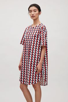 COS image 2 of Oversized printed t-shirt dress in Red Preppy Chic Style, Fall Dresses, Knit Dress, Classic Style, Cover Up, Cold Shoulder Dress, Classy, Dresses With Sleeves, Cos