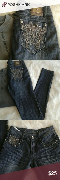 LA idol skinny jeans Size 5 ..Like new LA idol embellished, embroidered  straight skinny leg jeans.inseam 30  1/2 in. No missing stones front and back  .7 1/2 rise waist 13 1/2 ..grey color embroidery. LA idol jeans Pants Skinny