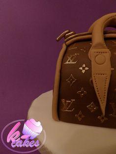 Vuitton Bag, Louis Vuitton Monogram, Fondant, Facebook, Cake, Pattern, Fashion, Purse, Hands