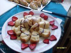 Dukátové buchtičky - recept   Varecha.sk Fruit Salad, Rum, Pancakes, Breakfast, Food, Basket, Morning Coffee, Fruit Salads, Essen