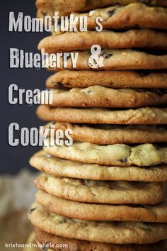 Momofuku's blueberry and cream cookies. The best cookie ever, copied from the legendary Milk Bar. Cookie Desserts, Fun Desserts, Cookie Recipes, Delicious Desserts, Dessert Recipes, Yummy Food, Momofuku Recipes, Best Cookies Ever, Galletas Cookies