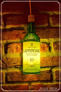 Laphroaig Whisky Bottle Light Hängelampe Pendellampe von JealousDesign auf Etsy