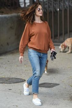 78492031540 Minka Kelly wearing Ray-Ban Aviator 55 Metal Sunglasses and Vans Authentic  Sneakers in Natural