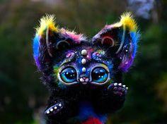 Косморадужный кошачий зверёк с нашими глазками от [id23845054|Екатерины Гакман]! [club19109126|gakman ♥ creatures] #adelkawalka #handmade #glasseyes #fortoys #fordolls #taxidermy #teddybear #bjd #furry #стеклянныеглазки #стеклянныеглаза #глазкидляигрушек #ручнаяработа