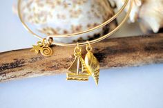 Remember that vacation bangle bracelet with charms by LaceCharming