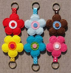 Felt Flower Keychains - with TUTORIAL - MISCELLANEOUS TOPICS  stocking stuffers on Craftster.org