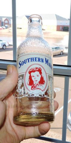 1546~Vtg 1940s Southern Maid Scarlett Ohara Red White Blue ACL Clear Soda Bottle