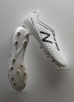 New Balance Football Boots Best Soccer Shoes, Soccer Boots, Football Shoes, Soccer Cleats, Sports Shoes, Top Soccer, Messi Soccer, Kids Soccer, New Balance
