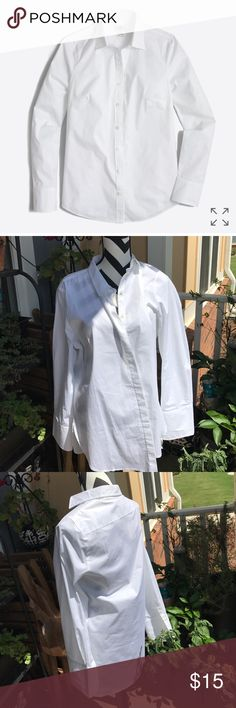 *Brand new* white button shirt JCrew Women's white button up from jcrew. Never worn. Size xl Tops Button Down Shirts