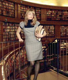 Fashionable Librarians in Stockholms Stadsbibliotek Naughty Librarian, Librarian Style, Beautiful Girl Image, Gorgeous Women, Vice Magazine, Woman Reading, Uk Fashion, Ideias Fashion, Style Inspiration