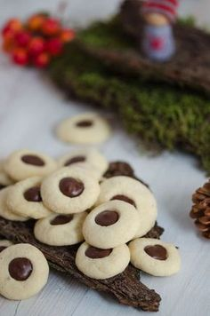 Chocolate balls - wonderfully simple Christmas biscuits - A pinch of delicious - Chocolate balls – wonderfully simple Christmas biscuits – A pinch of delicious - Easy Cake Recipes, Baking Recipes, Cookie Recipes, Dessert Recipes, Desserts, Cookies Cupcake, Galletas Cookies, Oreo Cupcakes, Christmas Biscuits