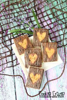 CookieCrazie: Carved Tree Trunk Cookies (Tutorial)