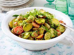 Leckere Salate zum Sattessen - backkartoffelsalat  Rezept