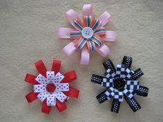 Very simple bow tutorial to make pinwheel style bows Making Hair Bows, Diy Hair Bows, Bow Making, Hair Ribbons, Ribbon Bows, Ribbon Hair, Grosgrain Ribbon, Barrettes, Hairbows