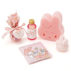 Kawaii Makeup, Cute Makeup, Hello Kitty Merchandise, Cute Baking, Hello Kitty My Melody, Bf Gifts, Kawaii Room, Cute Room Decor, Little Twin Stars