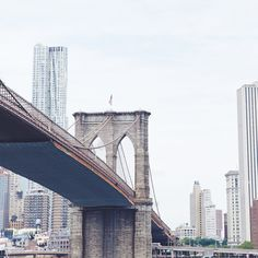 madewell et sézane, july 2015: a view of downtown manhattan and the brooklyn bridge. #madewellxsezane